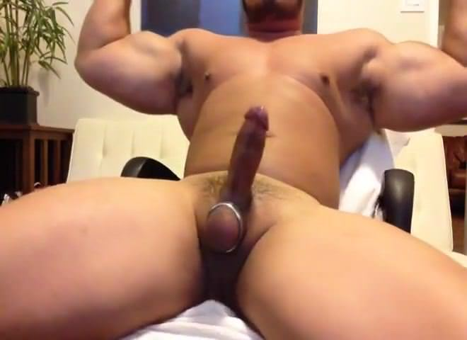 beefy muscle gay porn