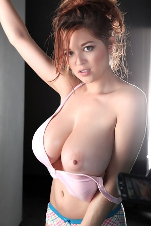 girls with big boobs that are naked