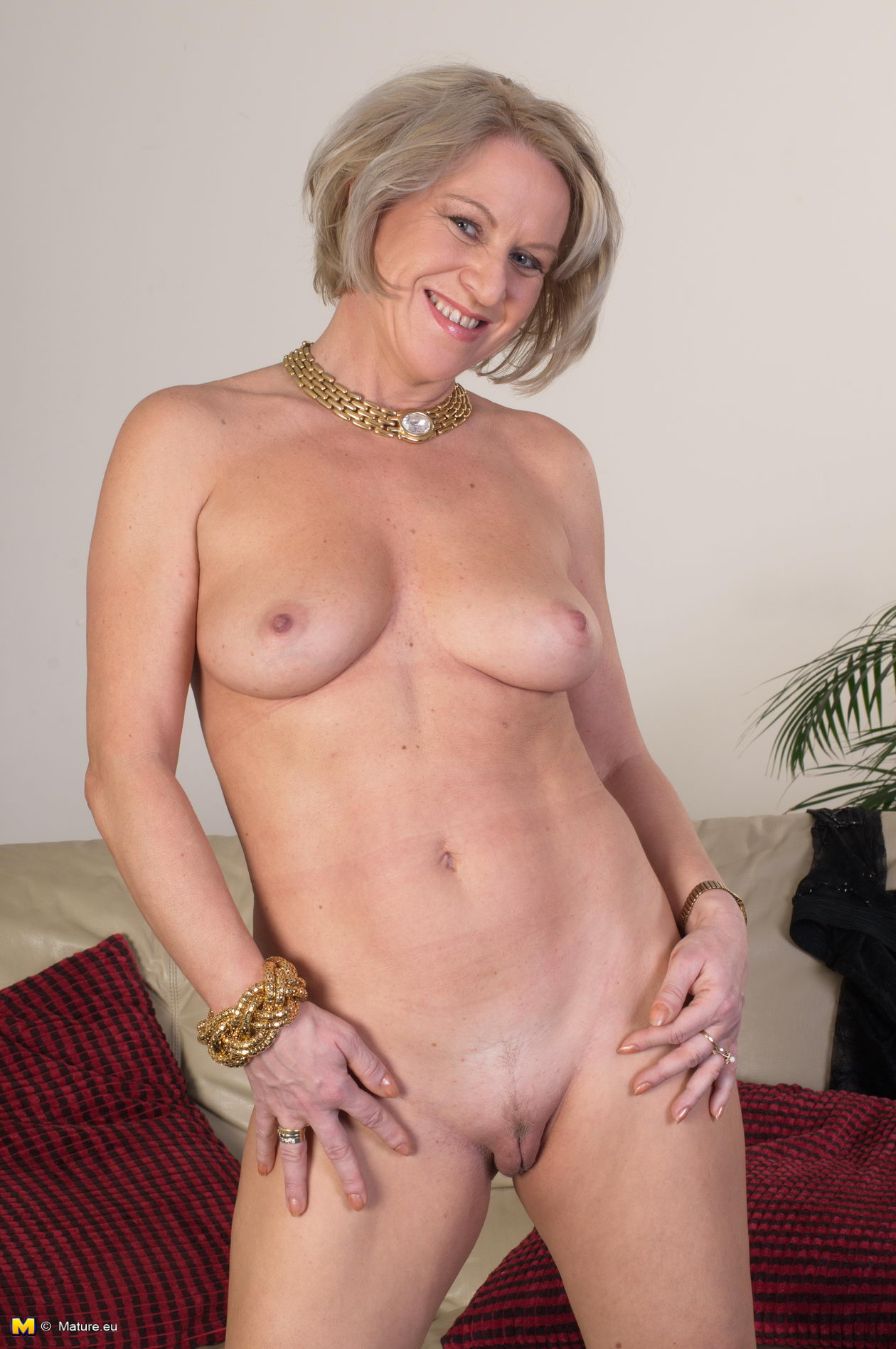 mature getting naked